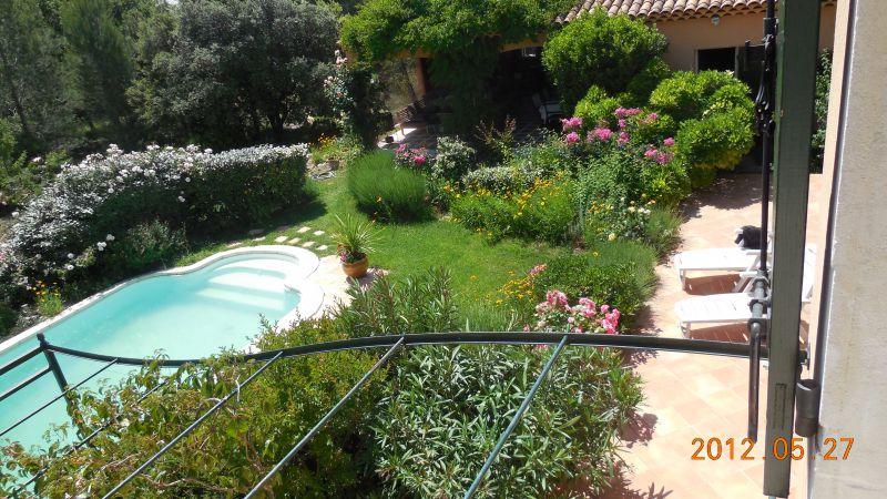 Vue du balcon Location Villa 88796 Aix en Provence