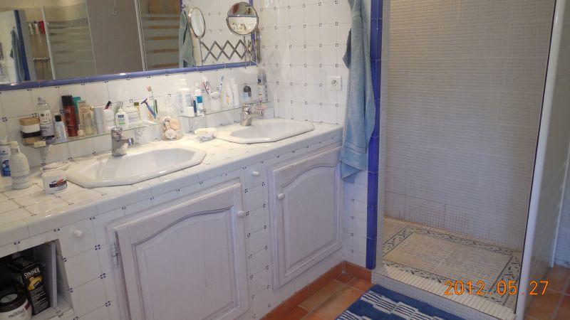 salle de bain Location Villa 88796 Aix en Provence