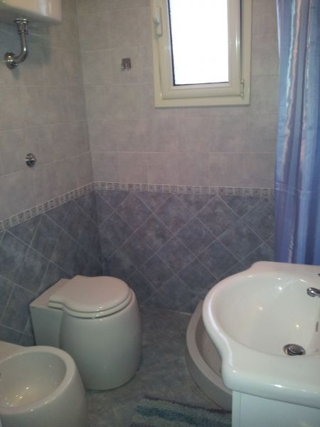 salle de bain 2 Location Appartement 88910 Ugento - Torre San Giovanni