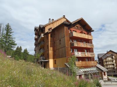 Vue extérieure de la location Location Appartement 96987 Risoul 1850