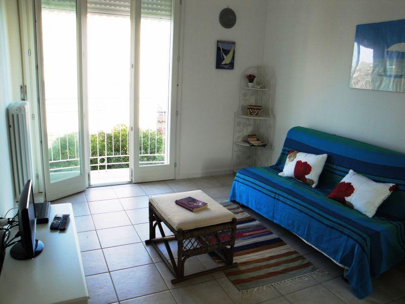 Séjour Location Appartement 103623 Marotta