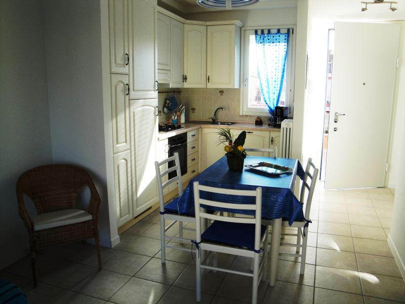 Coin cuisine Location Appartement 103623 Marotta