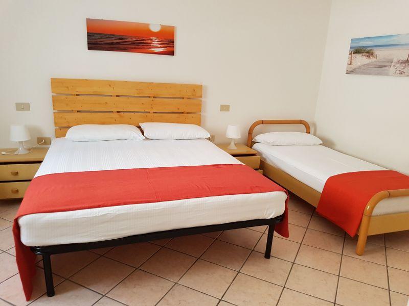 chambre 2 Location Appartement 104995 Marotta