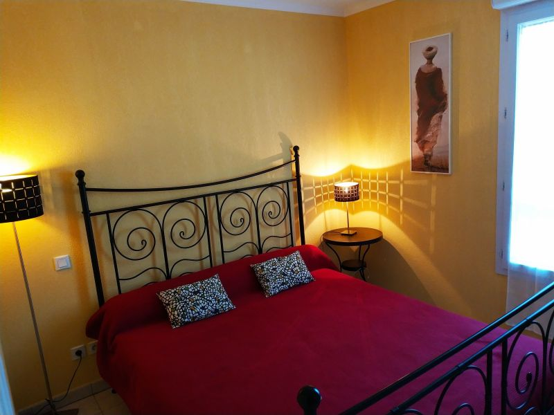 chambre Location Appartement 107365 Fréjus