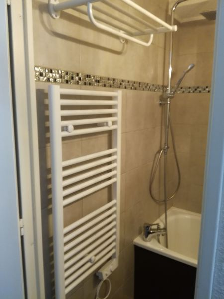 salle de bain Location Studio 107723 Puy Saint Vincent