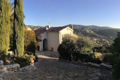 Vue extérieure de la location Location Villa 109388 Sainte Maxime