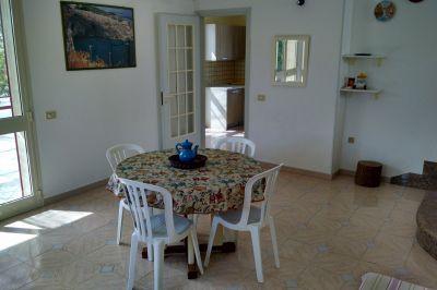Salle à manger Location Villa 114060 Torre Vado