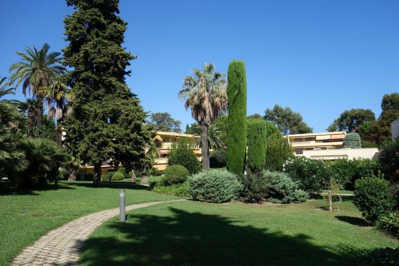 Jardin Location Appartement 114308 Antibes
