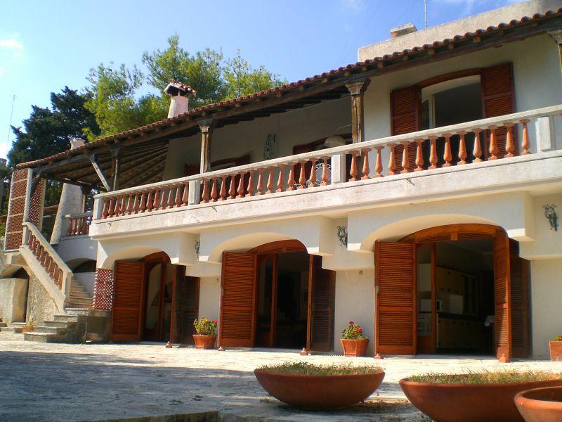 Vue extérieure de la location Location Villa 63887 Torre dell'Orso