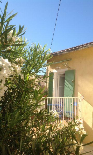 Vue extérieure de la location Location Appartement 74517 Marseille