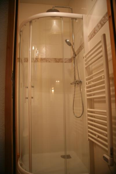 salle de bain Location Studio 74661 Serre Chevalier