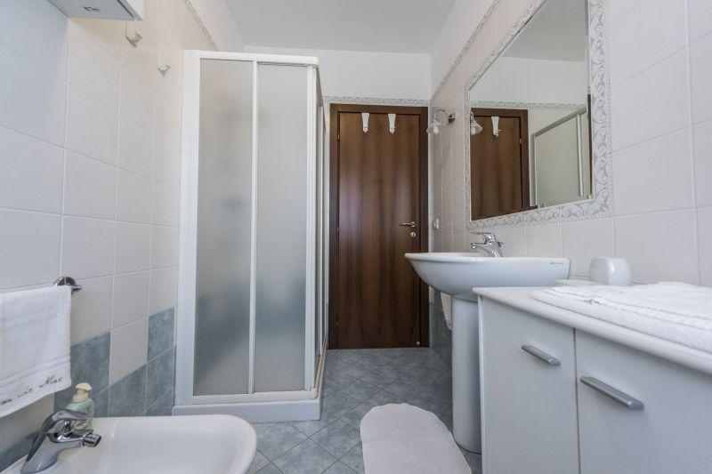 salle de bain Location Appartement 76102 Marotta