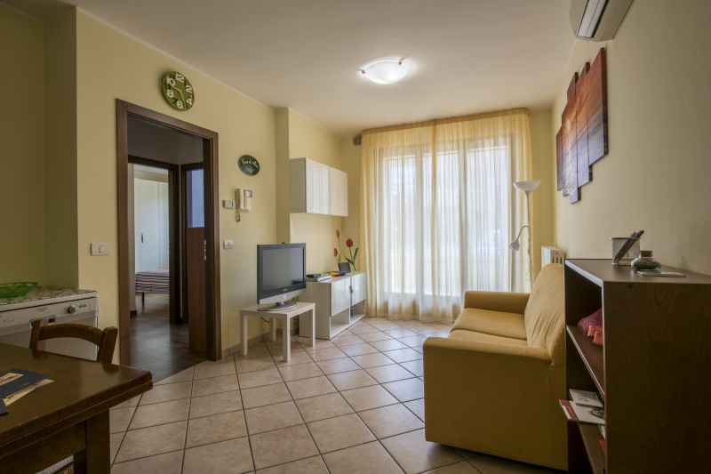 Séjour Location Appartement 76102 Marotta