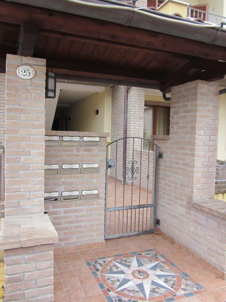 Entrée Location Appartement 76102 Marotta