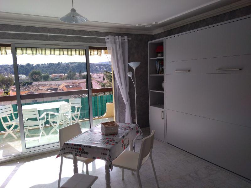 Séjour Location Studio 81904 Le Lavandou
