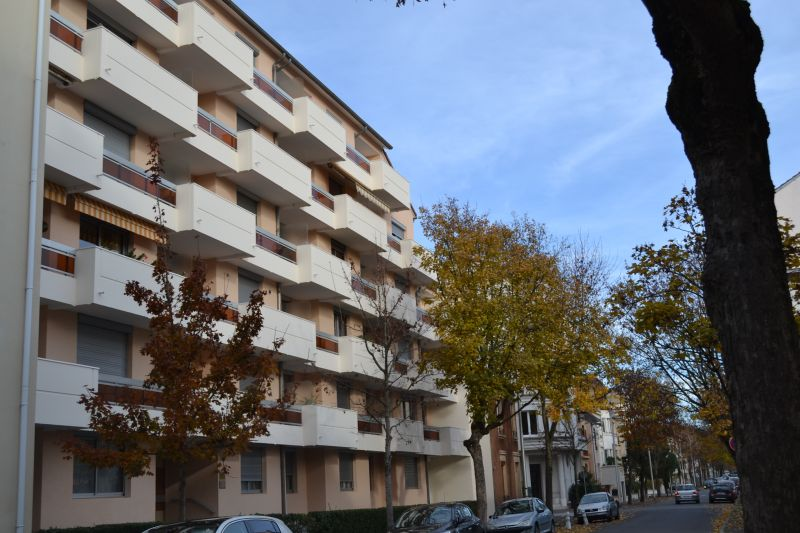 Vue extérieure de la location Location Appartement 92716 Vichy