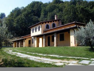 Vue extérieure de la location Location Villa 95111 Bettona