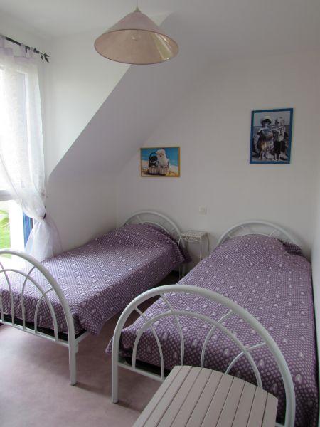 chambre 2 Location Gite 95700 Vannes