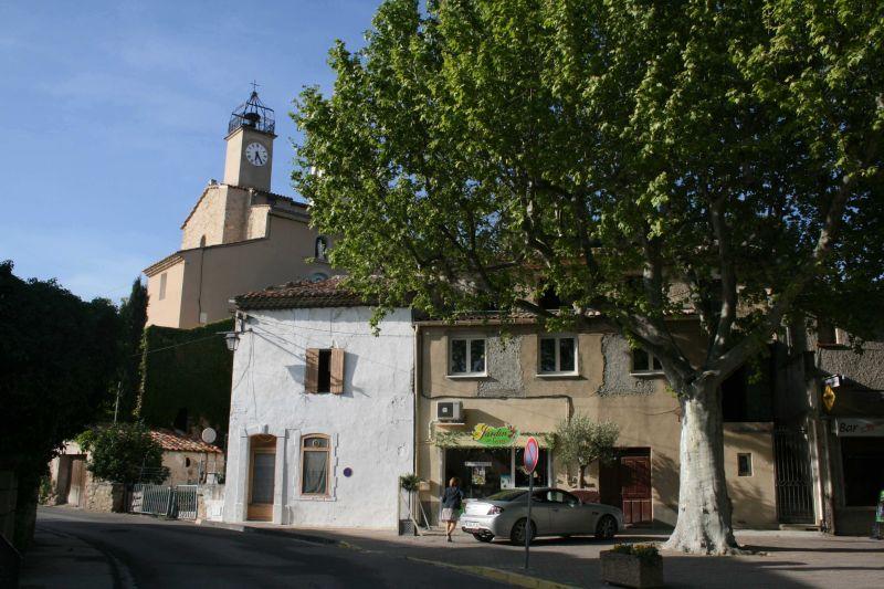 Vue à proximité Location Gite 98363 Loriol-du-Comtat