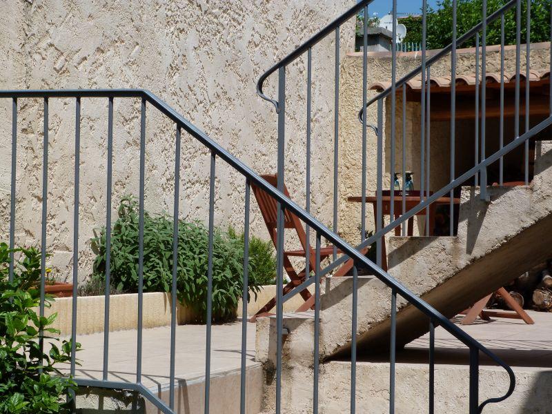 Vue de la terrasse Location Appartement 101756 Vedène