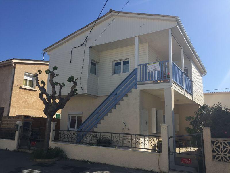 Vue extérieure de la location Location Chalet 102261 Gruissan-Plage