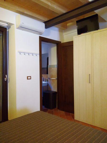 chambre Location Appartement 111317 Sirolo