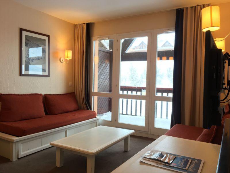 Salon Location Appartement 112127 Valmeinier