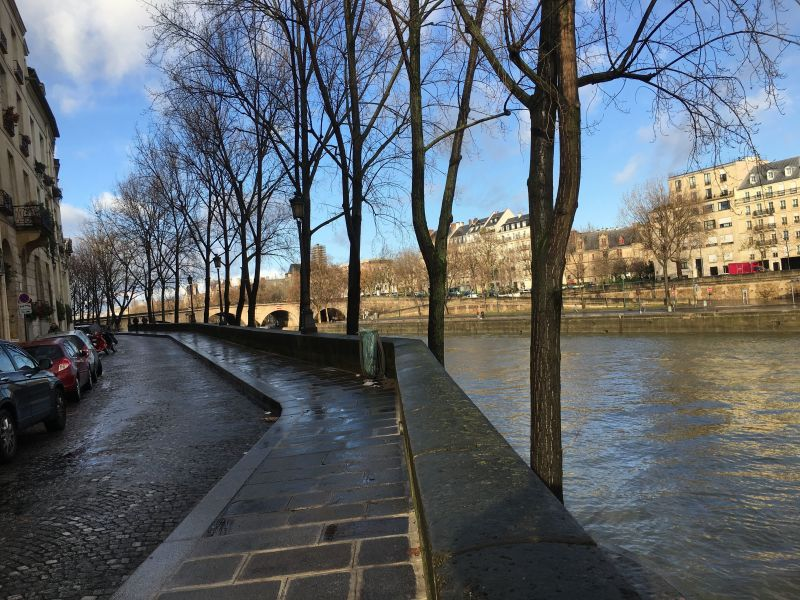 Vue à proximité Location Studio 113449 PARIS