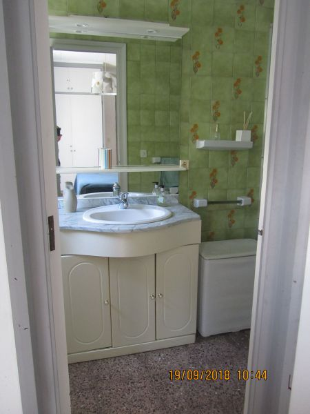 salle de bain 2 Location Villa 116391 Empuriabrava