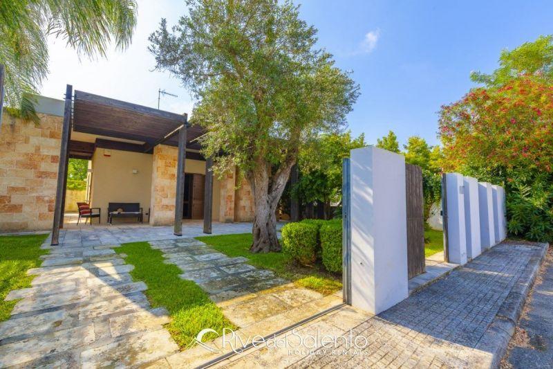 Vue extérieure de la location Location Villa 117654 Torre dell'Orso