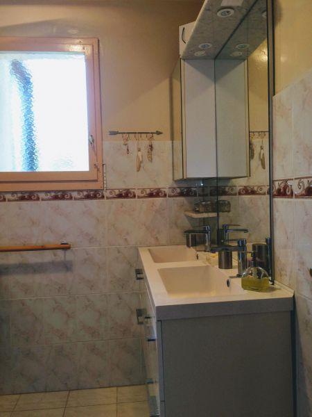 Salle d'eau Location Appartement 119352 Cassis