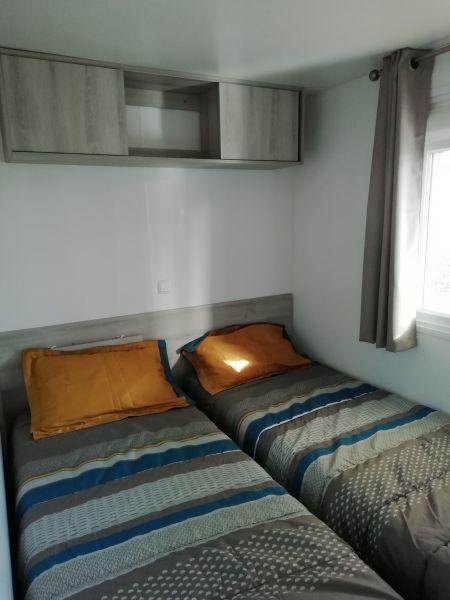 chambre 3 Location Mobil-home 119380 Vias Plage