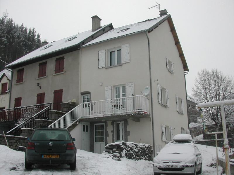 Vue extérieure de la location Location Appartement 67899 Besse - Super Besse
