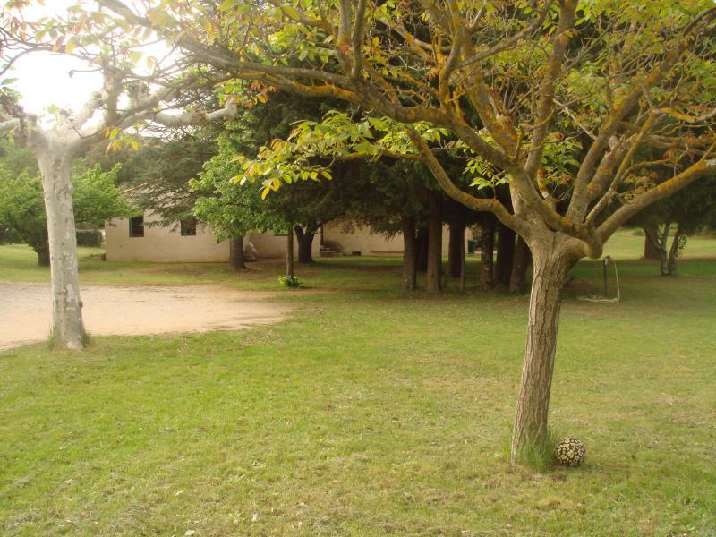 Vue extérieure de la location Location Gite 69702 Uzès