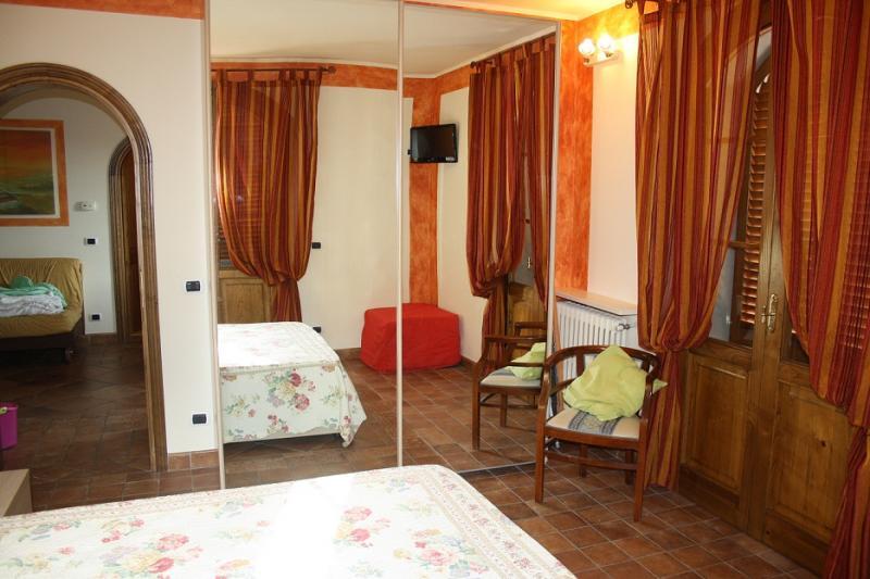 chambre 1 Location Appartement 72407 Marina di Massa
