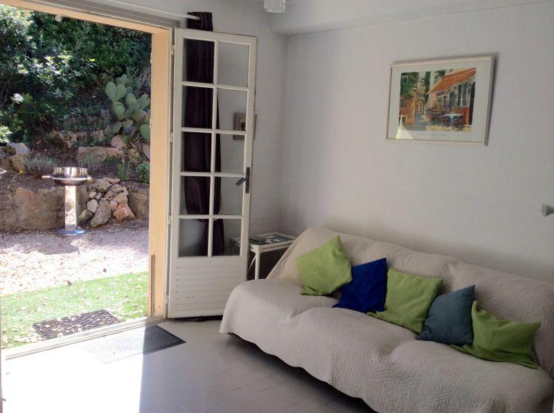 Séjour Location Appartement 81116 Saint Raphael