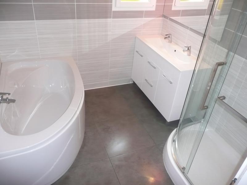 salle de bain 1 Location Villa 82417 Hyères