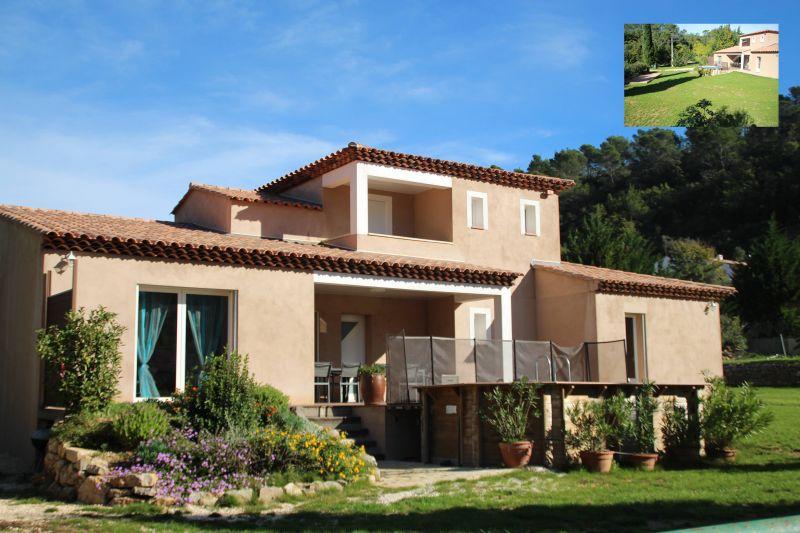 Vue extérieure de la location Location Villa 82417 Hyères