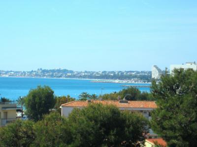 Vue de la terrasse Location Studio 88013 Cagnes sur Mer