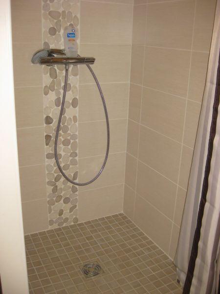 salle de bain 2 Location Maison 93101 Carnac