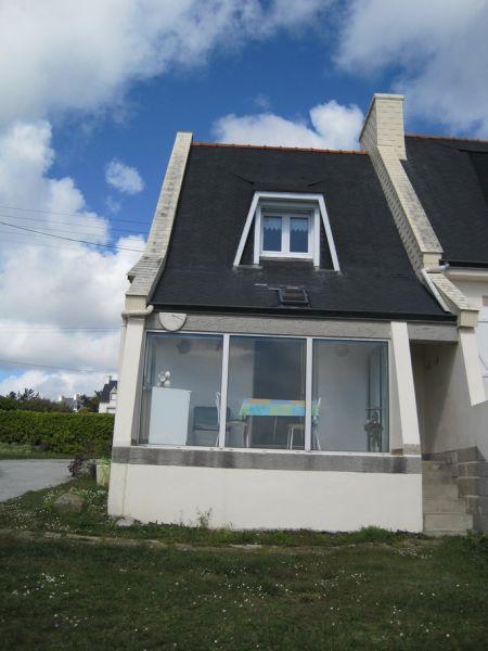 Vue extérieure de la location Location Maison 98043 Plozevet