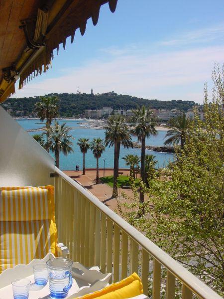 Vue de la terrasse Location Studio 98215 Antibes