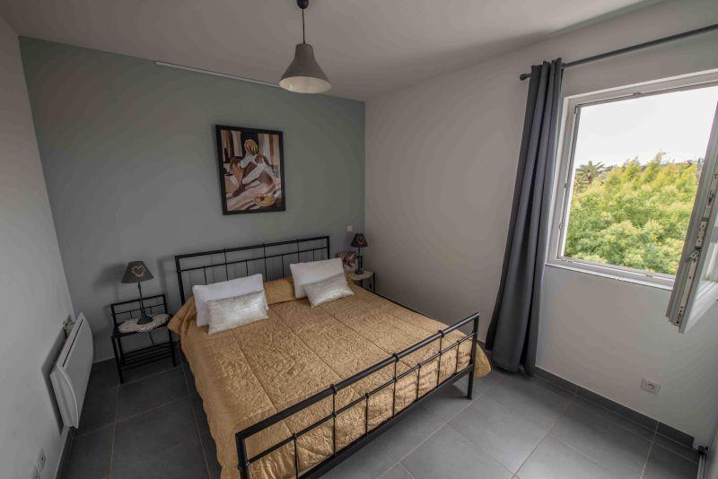 chambre 1 Location Appartement 99887 Ajaccio