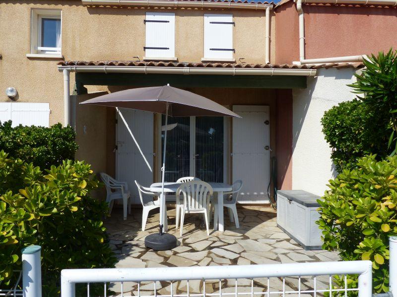 Vue extérieure de la location Location Maison 103952 Valras-Plage