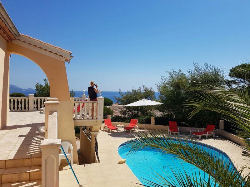 Piscine Location Villa 104843 Les Issambres