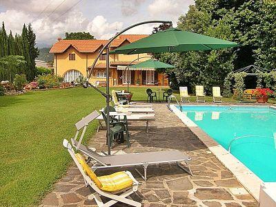 Location Villa 107084 Massarosa