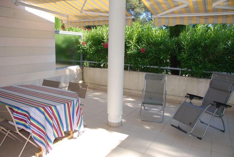 Vue de la terrasse Location Appartement 113677 Saint Raphael