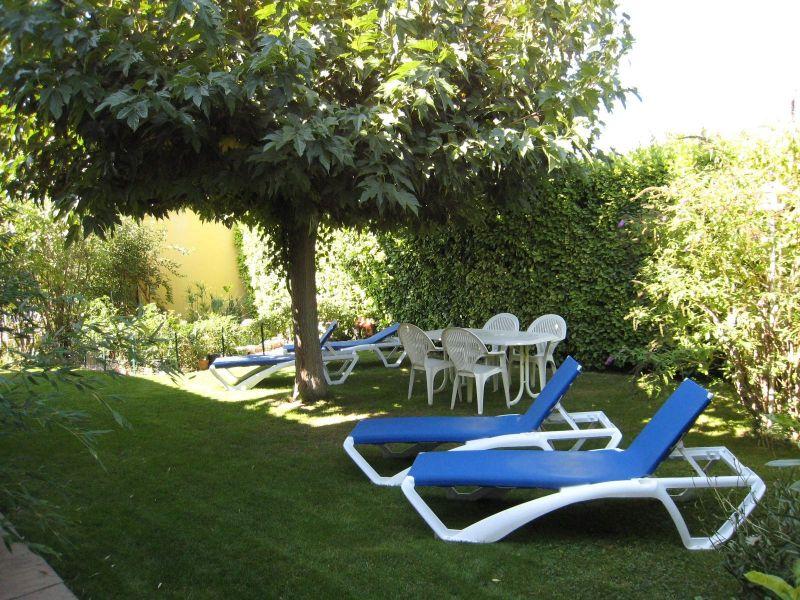 Jardin Location Gite 116997 Isle sur la Sorgue
