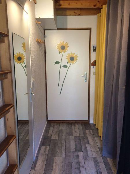 Entrée Location Appartement 65983 Bernex