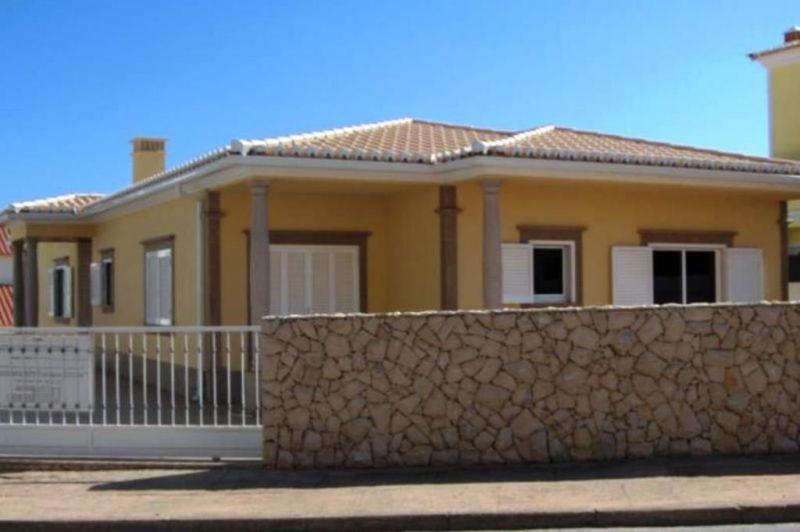 Vue extérieure de la location Location Villa 69149 Portimão